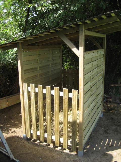 Cabane en palette pour chevre for Combien coute une palette en bois