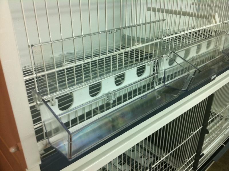 mangeoire cage rsl. Black Bedroom Furniture Sets. Home Design Ideas