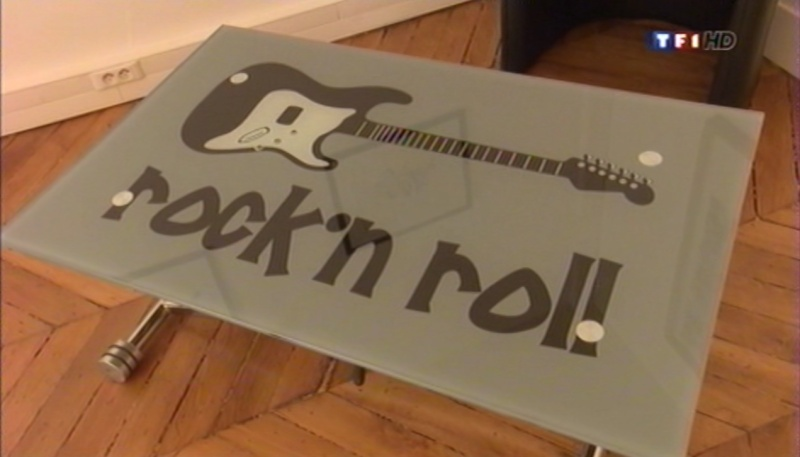 une table rock 39 n 39 roll. Black Bedroom Furniture Sets. Home Design Ideas