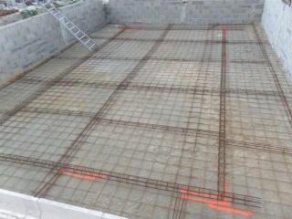 Construction parpaing d taill e avec zooms sur les for Piscine en parpaing