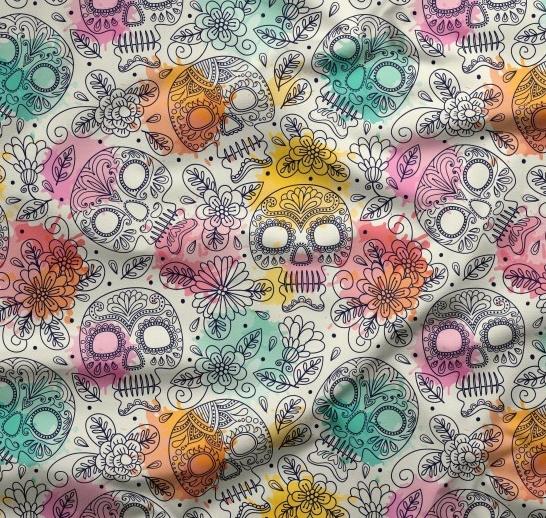 tissu fond gris clair tête de mort et fleurs multicolores